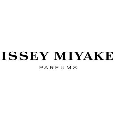 Couturier Issey Miyaké